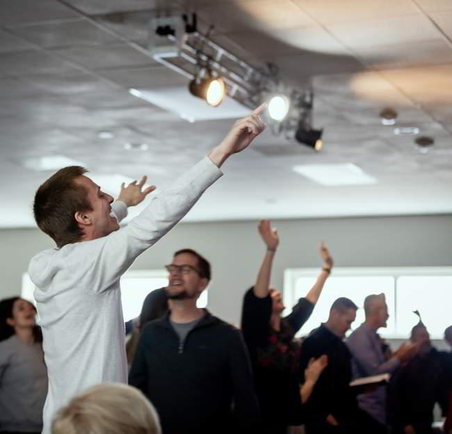 non denominational churches in Waltham outreach